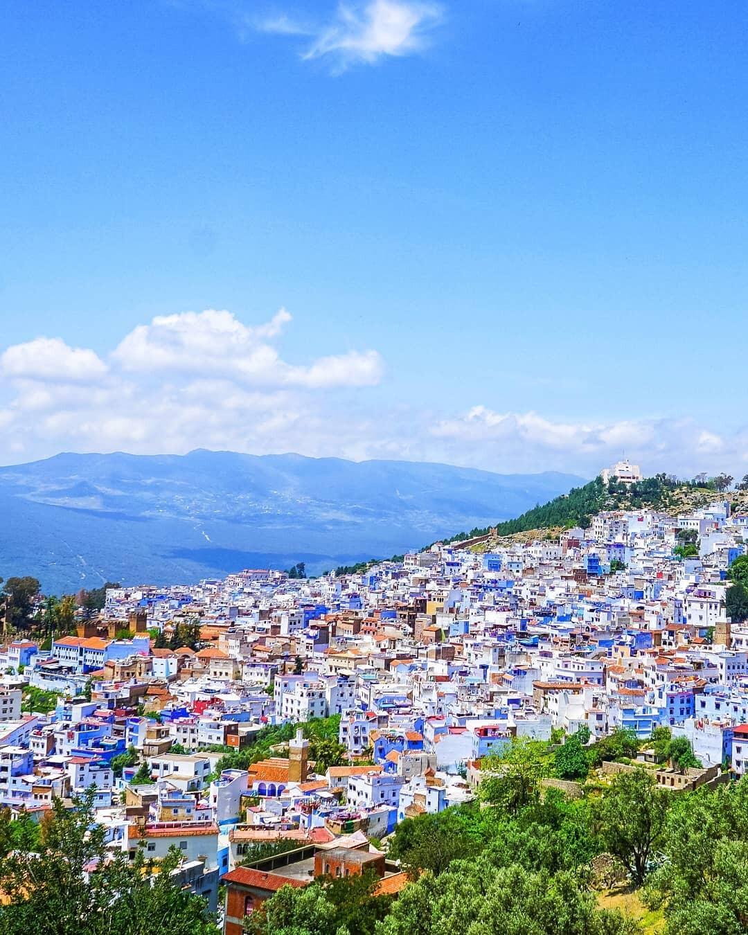 vista panorámica de la ciudad azul