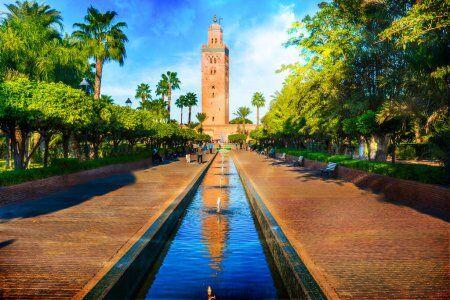 La mezquita de Marrakesh con nuestros Ruta de 2 semanas en Marruecos