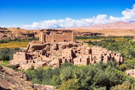 Valle de las rosas con 5 días de viaje de Fez a Marrakech vía Merzouga
