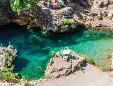 Los cascades de Akchour, vamos a visitarlos con nuestro excursion de viajes de 2 dias desde tanger a chefchaouen
