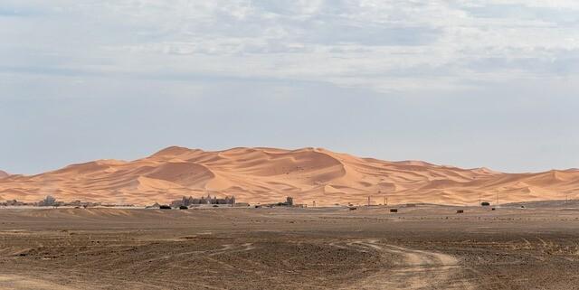 El Sahara con Circuito de 5 dias desde Marrakesh a Fez via Al desierto de Merzouga.