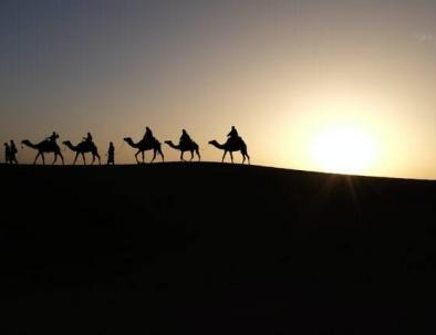 El sahara desierto con nuestro Circuito de 5 dias desde Marrakesh a Fez via Al desierto de Merzouga.