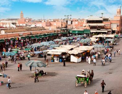 Jemaa El Fna con ruta de 12 dias por Marruecos itinerario de viaje desde Casablanca.