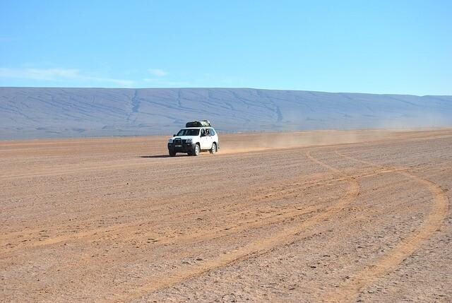 4x4 en el Sahara con nuestro Circuito de 5 dias desde Marrakesh a Fez via Al desierto de Merzouga.