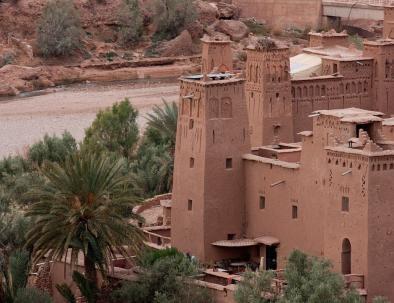 kasbah ait benhaddou en el excursión de 4 días Marrakech a Fez vía Merzouga desierto