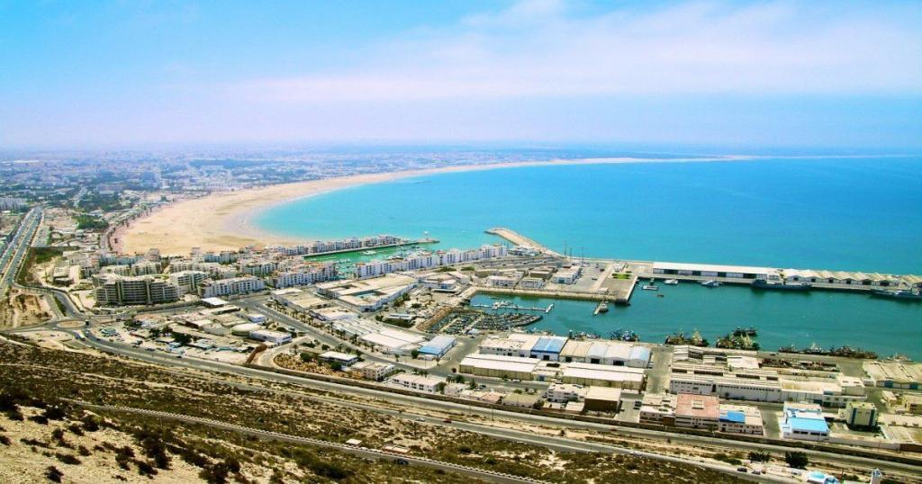 La playa de Agadir, considerada una de las más bellas de Marruecos