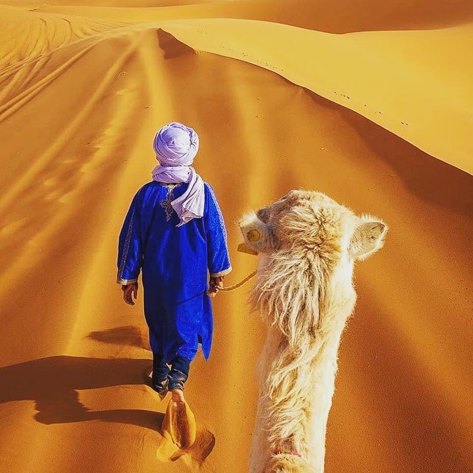 Uno dei cammellieri di Merzouga Marocco, il punto culminante del nostro itinerario di una settimana