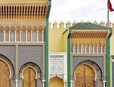 i cancelli d'oro del palazzo del re a Fes, lo visiteremo durante il nostro viaggio di una settimana in Marocco