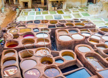 conceria chaouara, un sito che esploreremo con il nostro tour di 7 giorni in Marocco da Casablanca