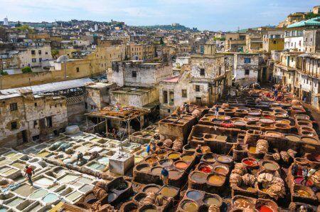 la conceria chouara di Fes, una delle migliori città che visiteremo con la nostra tour del Marocco in 7 giorni