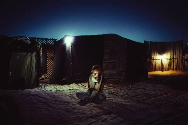 Accampamento nel deserto durante il tour del deserto di 5 giorni da Fes a Marrakech