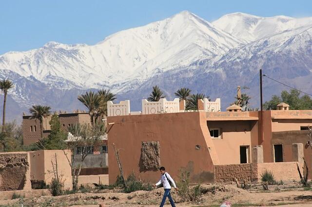 piccoli villaggi berberi sulla strada da marrakecyh a fes