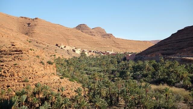 valle con il miglior tour di 4 giorni da marrakech a fes attraverso il deserto di merzouga