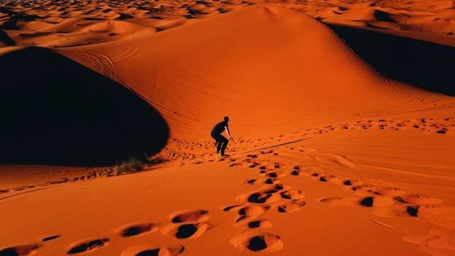 Le dune di sabbia dell'Erg Chebbi a Merzouga Marocco