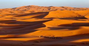 Dune di sabbia di Erg chebbi nel merzouga del deserto del Sahara in Marocco