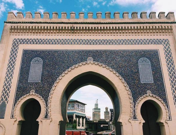 The main gate of Fes is the blue gate, it's an important gate we will see with our Morocco itinerary 10 days tour from Casablanca