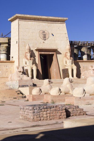 The atlas studio in ouarzazate looks like the statues in egypt. therefore, with our Morocco 2 week itinerary, you will have a chance to visit one of them.