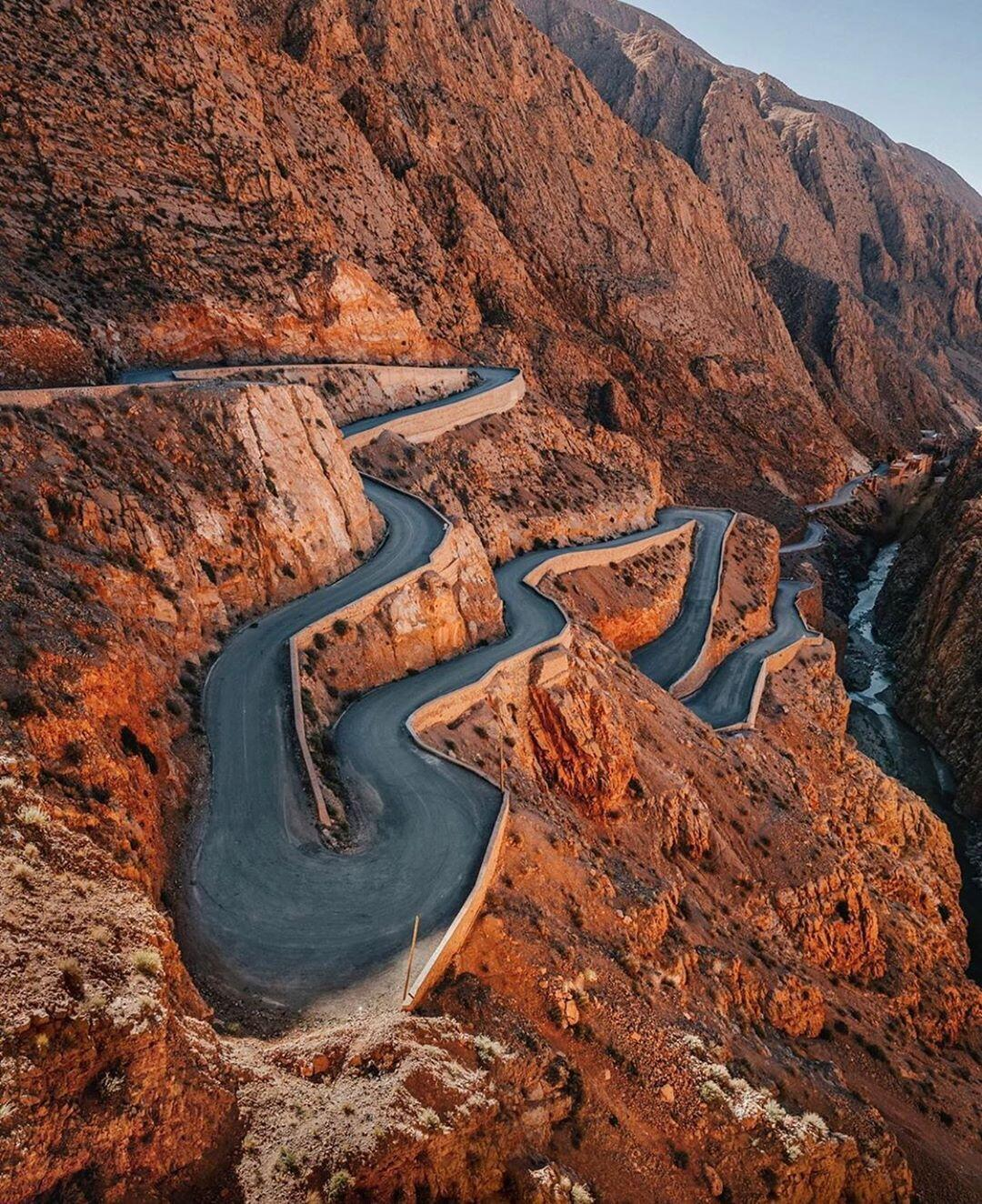 The curves of tissdine, and attraction we will visit with our 9 days itinerary in Morocco