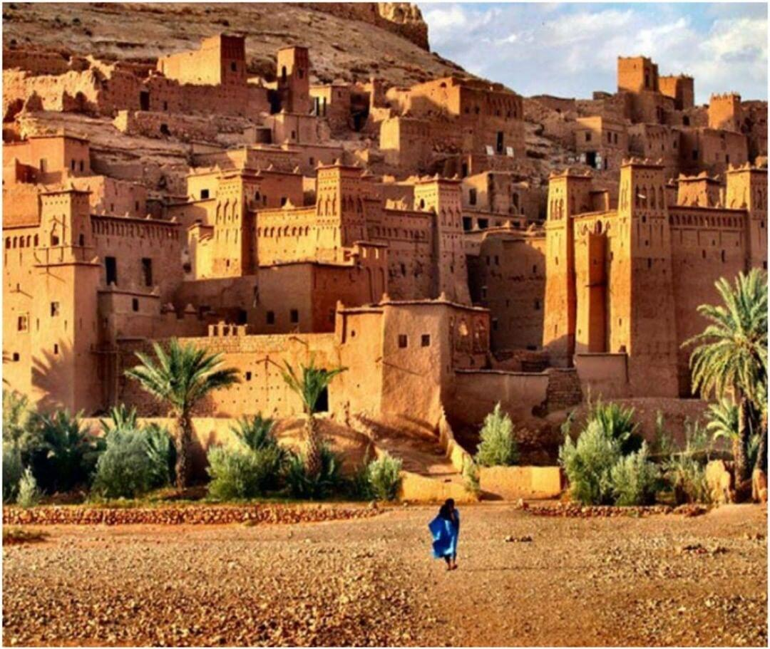 The kasbah of Ait Benhaddou is an attraction we will explore with our 9 days in Morocco itinerary tour
