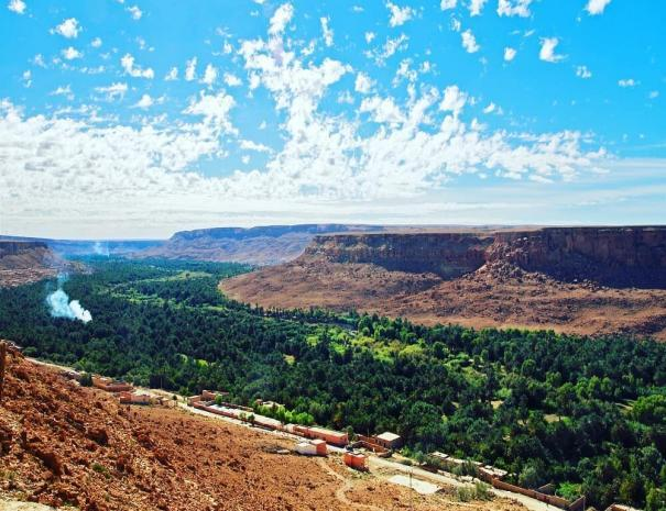 Ziz valley, the biggest source of dates in morocco, we will visit it with our tour itinerary of 9 days